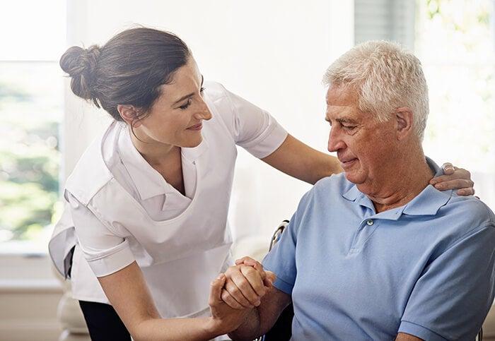 Cuidar a una persona mayor: una entrevista con Dr Jenny Mora, Psicogerontologa